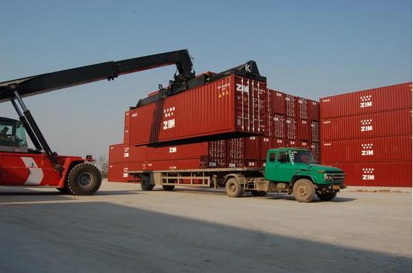 进口清关后拖车谁来安排,运输没人做怎么办?